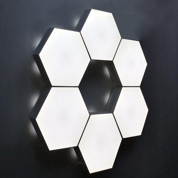 Lampa LED Quantum cu panouri tactile